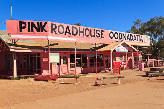 Das Pink Roadhouse in Oodnadatta